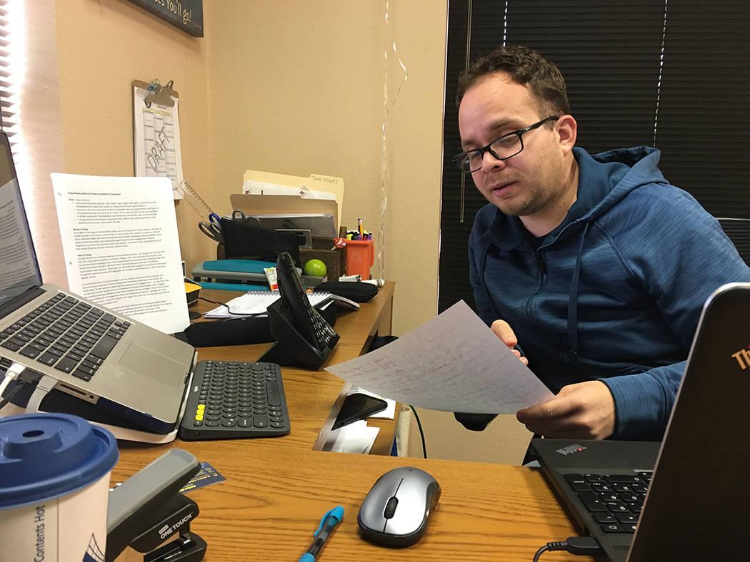 El director de Chispa NV, Rudy Zamora, se mostró optimista por lograr las firmas necesarias. [ Foto Cortesía / Archivo ]