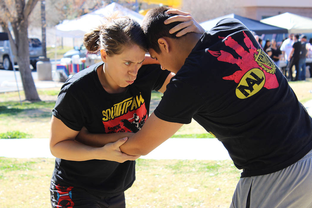 Serena de Jesús (5-2), dio una demostración de castigos y compartió su experiencia de sufrir Bullyng a luchar en contra de. Sábado 17 de febrero de 2018 en Parque Paradise. [Foto Cristian De l ...