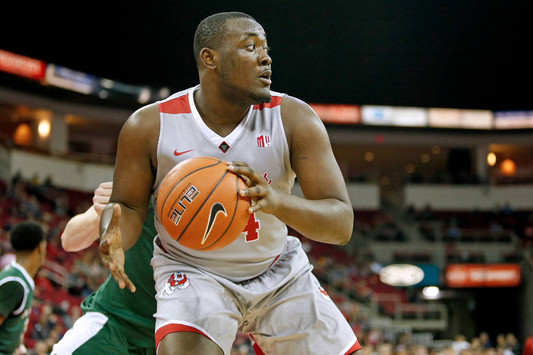 Fresno State's Terrell Carter II with the ball against Cal Poly on Dec. 10, 2016, in Fresno, California. Courtesy: Fresno State Athletics