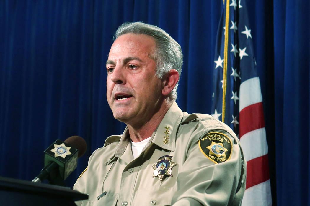El alguacil del condado de Clark, Joe Lombardo, anuncia el 5 de junio de 2017, en la sede del Departamento de Policía Metropolitana en Las Vegas, que el agente Kenneth Lopera será acusado de hom ...