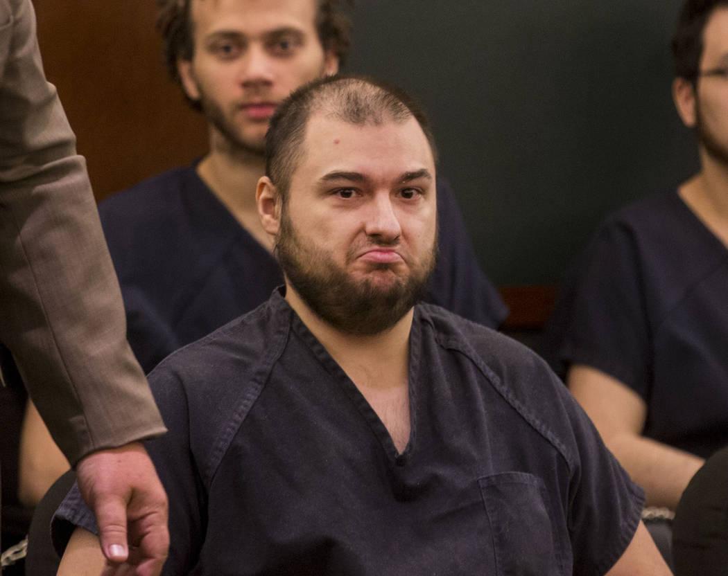 Shane Schindler, quien se declaró culpable de intento de asesinato por un ataque contra un maniquí, asiste a su sentencia en el Centro Regional de Justicia en Las Vegas el 24 de agosto de 2017.  ...
