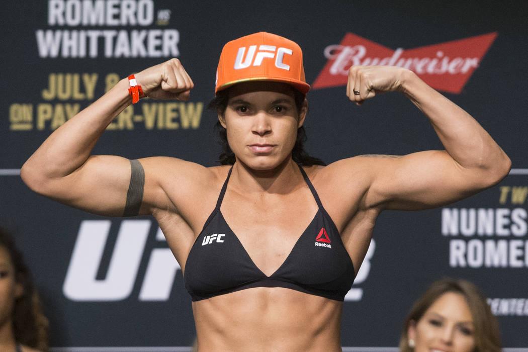Amanda Nunes durante los pesajes ceremoniales de la UFC 213 en el Teatro The Park de Las Vegas el viernes 7 de julio de 2017. Erik Verduzco Las Vegas Review-Journal @Erik_Verduzco