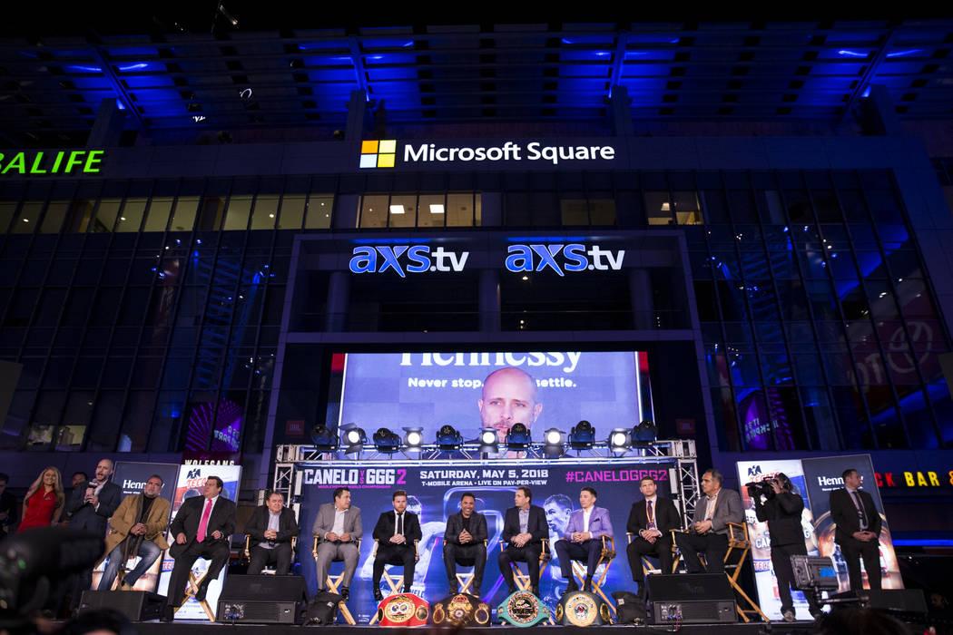 """Una conferencia de prensa para la próxima pelea entre Saúl """"Canelo"""" Álvarez y Gennady Golovkin, en el Microsoft Square en Los Ángeles, California, el martes 27 de febrero de 2018. Erik Verduzc ..."""