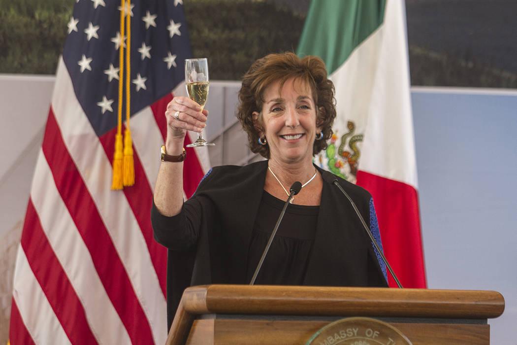 La embajadora de Estados Unidos en México, Roberta Jacobson durante la ceremonia de colocación de la primera piedra de la nueva sede de la Embajada de Estados Unidos, ubicada en la zona de Nuevo ...