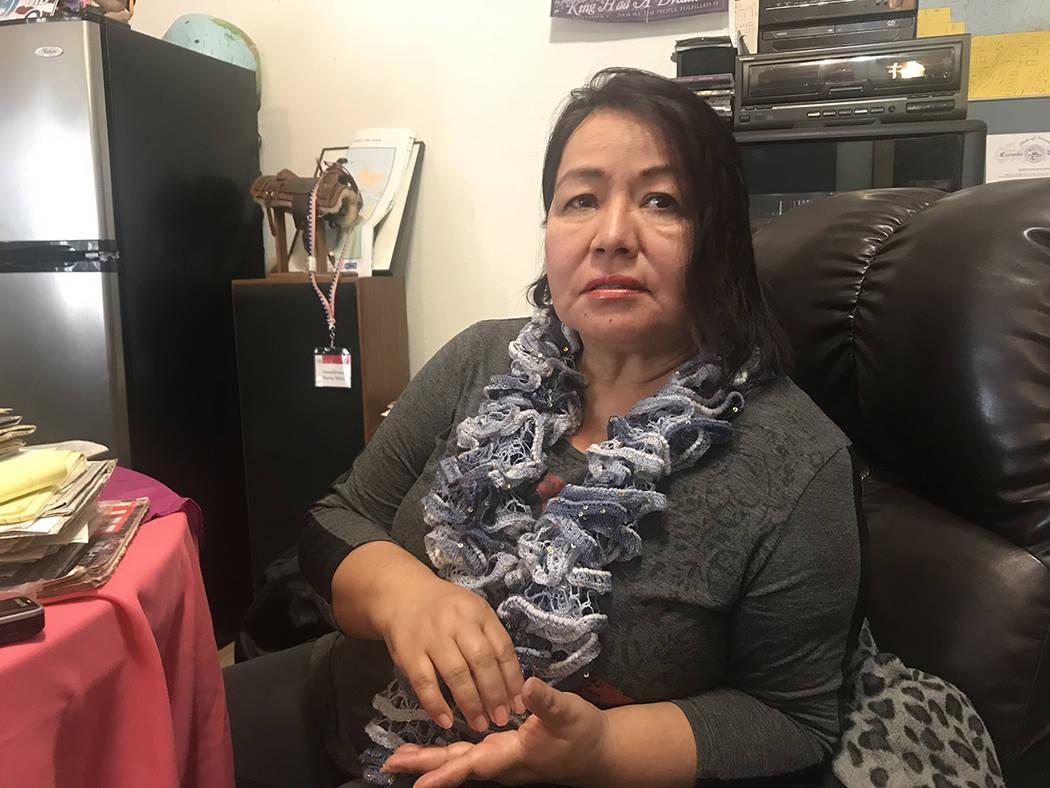 """""""Los legisladores están para responder a sus necesidades, acérquense a los legisladores y exíjanles"""": Ciria Sosa, ex-trabajadora de la Legislatura de Nevada. Harvey Munford. Martes 27 de fe ..."""