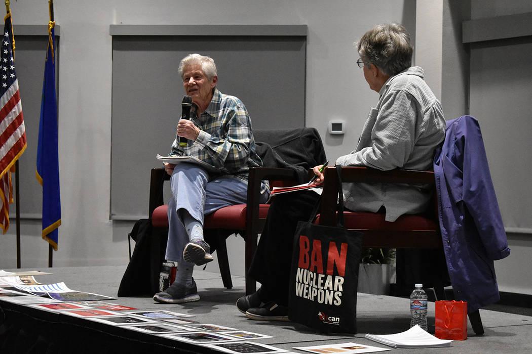 Ardeth Platte fue la encargada de iniciar con la conferencia basando parte de su discurso en explicar la labor de ICAN. Martes 6 de marzo de 2018 en UNLV. Foto Anthony Avellaneda / El Tiempo.