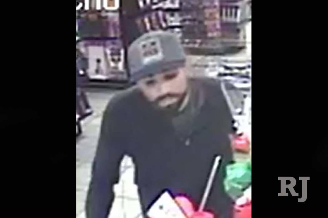 La policía de Las Vegas está buscando a un sospechoso que robó una tienda de entretenimiento para adultos en febrero. (Policía Metropolitana de Las Vegas)