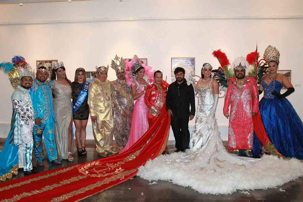 """ARCHIVO.- En un evento lleno de brillo y gran ambiente, se llevó a cabo la coronación de los Reyes de la Comunidad de Lesbianas, Gays, Bisexuales, Trans e Intersex del Carnaval de Veracruz, """"El  ..."""