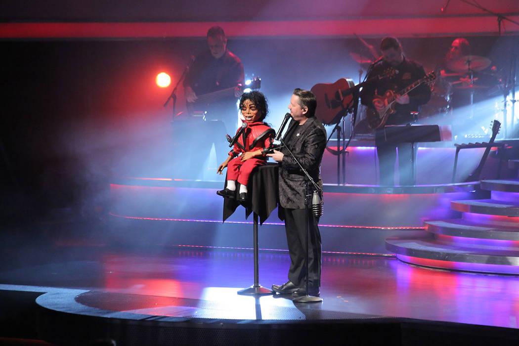 La marioneta de Michael Jackson fue una de las más aplaudidas por el público. Lunes 12 de marzo de 2018 en hotel-casino The Mirage. Foto Cortesía.