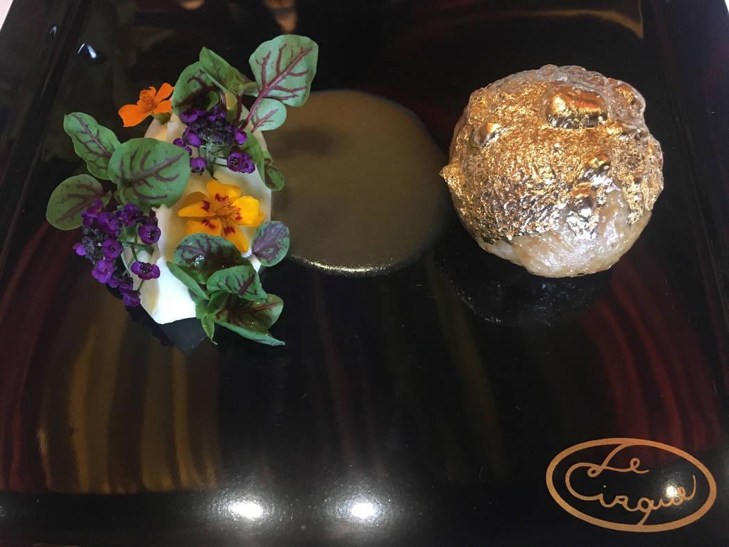 La codorniz y el foie gras con corteza dorada de Le Cirque están cubiertos de pan de oro y servidos con puré de patata. Janna Karel Las Vegas Review-Journal