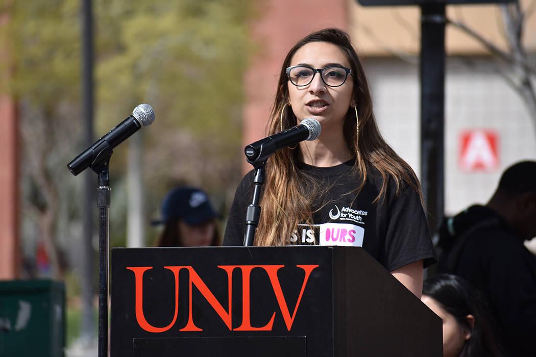 La estudiante Caitlyn Caruso consideró que la tragedia del 1 de octubre en Las Vegas tuvo una respuesta de unión por parte de la comunidad. Miércoles 14 de marzo de 2018 en UNLV. Foto Anthony A ...