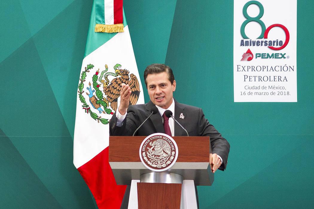 El presidente Enrique Peña Nieto  encabezó la ceremonia conmemorativa del 80 Aniversario de la Expropiación Petrolera en Centro de Administrativo de Petróleos Mexicanos. México, 16 Mar 2018 ( ...