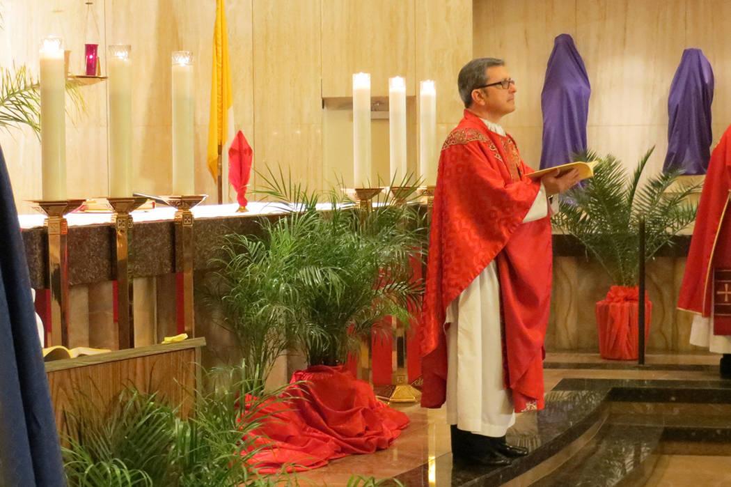 Monseñor Gordon cumplió 30 años al servicio de la iglesia Católica. Iglesia Santa Ana. Foto El Tiempo / Archivo.