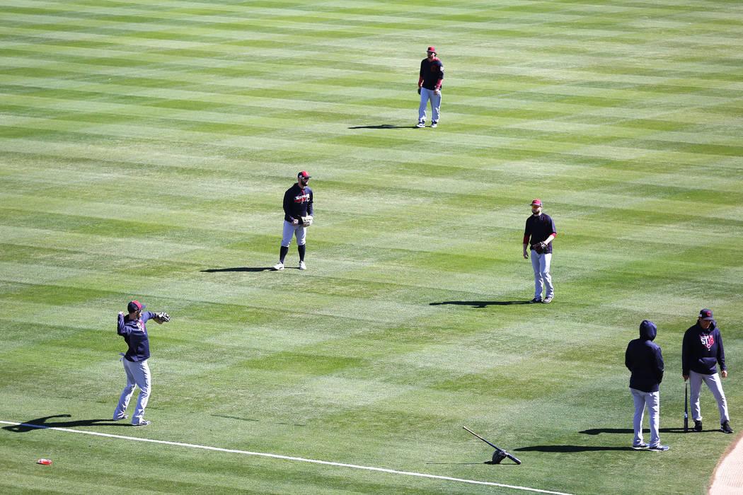 Los Indios de Cleveland practican antes del juego de béisbol anual del Big League Weekend en el Cashman Field de Las Vegas el domingo 18 de marzo de 2018. Andrea Cornejo Las Vegas Review-Journal  ...