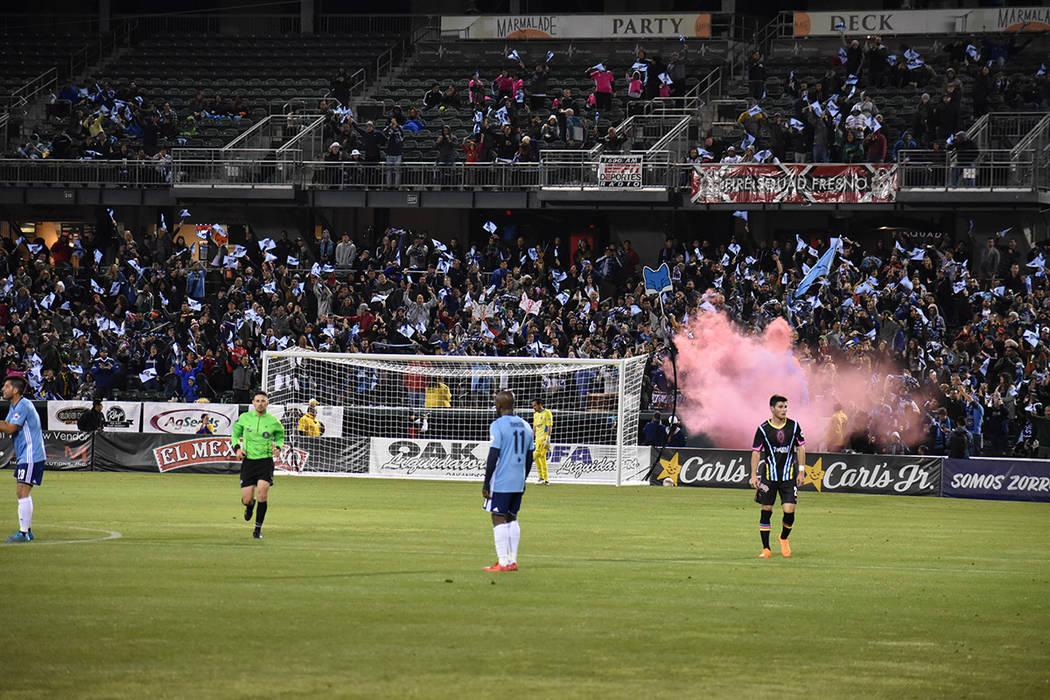 Los más de 7,000 aficionados reunidos en el estadio Chukchansi disfrutaron de un emocionante partido con muchos goles. Sábado 17 de marzo de 2018 en estadio Chukchansi de Fresno, California. Fot ...