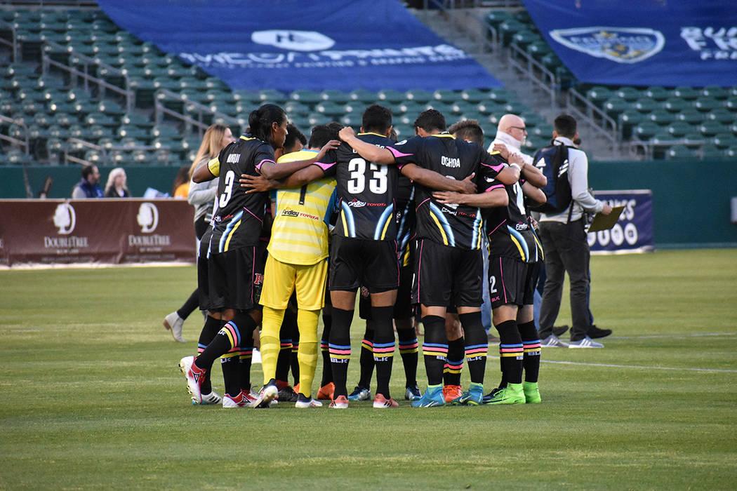 Fresno y Las Vegas protagonizaron un emotivo encuentro, ambos equipos debutaron en la United Soccer League. Sábado 17 de marzo de 2018 en estadio Chukchansi de Fresno, California. Foto Anthony Av ...