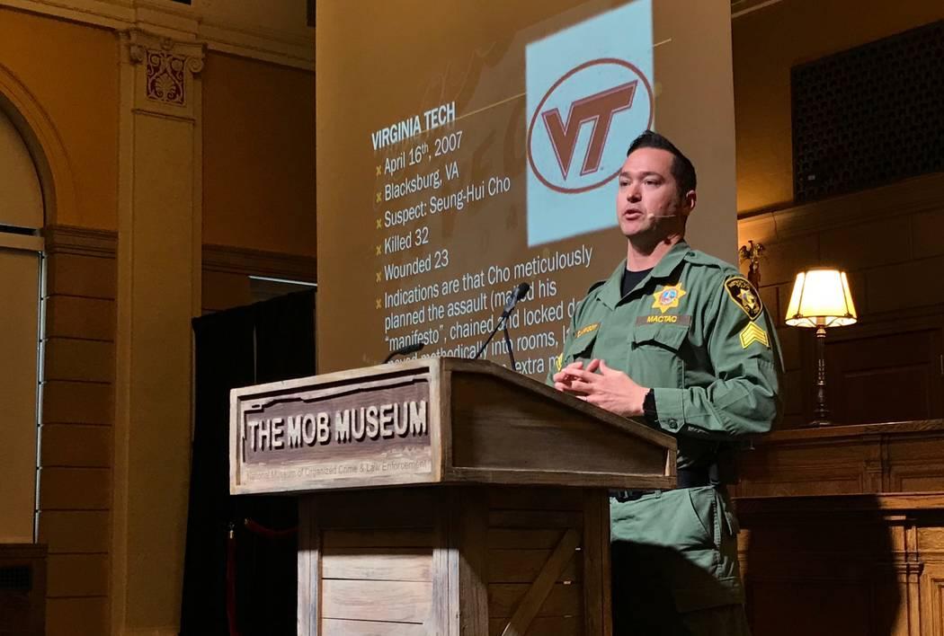El Sargento del Departamento de la Policía Metropolitana: Branden Clarkson, se dirige a una audiencia en el Mob Museum en el centro de Las Vegas el domingo 18 de marzo de 2018. Blake Apgar Las Ve ...