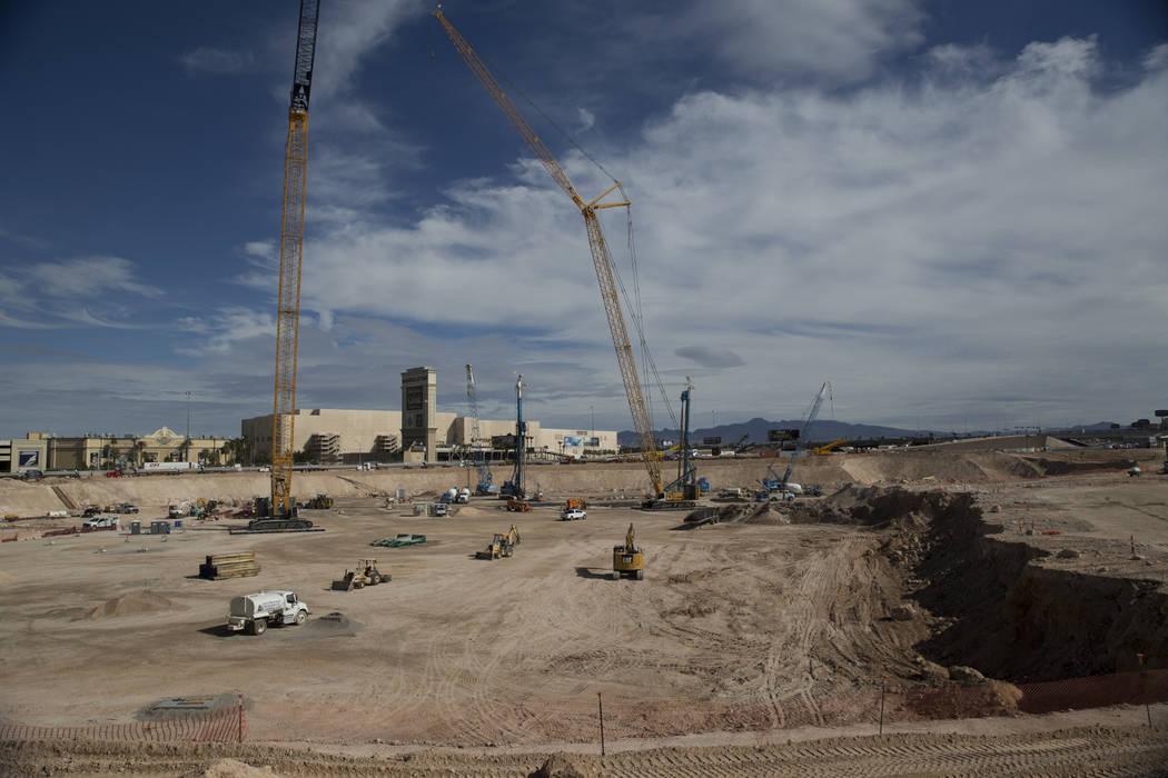 El sitio del futuro estadio Raiders en Las Vegas, viernes, 9 de marzo de 2018. Erik Verduzco Las Vegas Review-Journal @Erik_Verduzco