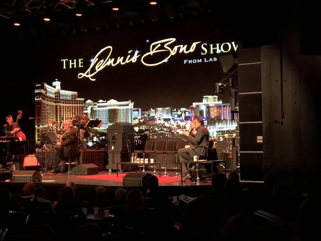 Dennis Bono tiene audiencia durante su show de variedades semanal en South Point Showroom el jueves 22 de marzo de 2018. (John Katsilometes / Las Vegas Review-Journal) @JohnnyKats