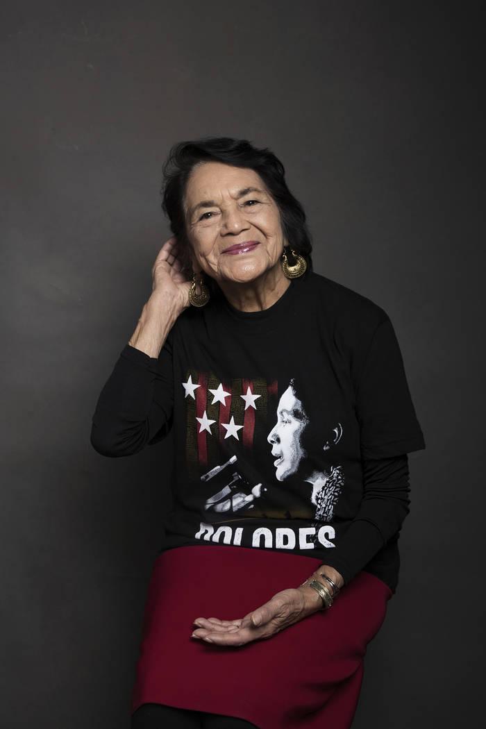 """Dolores Huerta posa para un retrato para promocionar la película """"Dolores"""" en el Music Lodge durante el Festival de Cine de Sundance el viernes 20 de enero de 2017 en Park City, Utah. (Taylor Jew ..."""