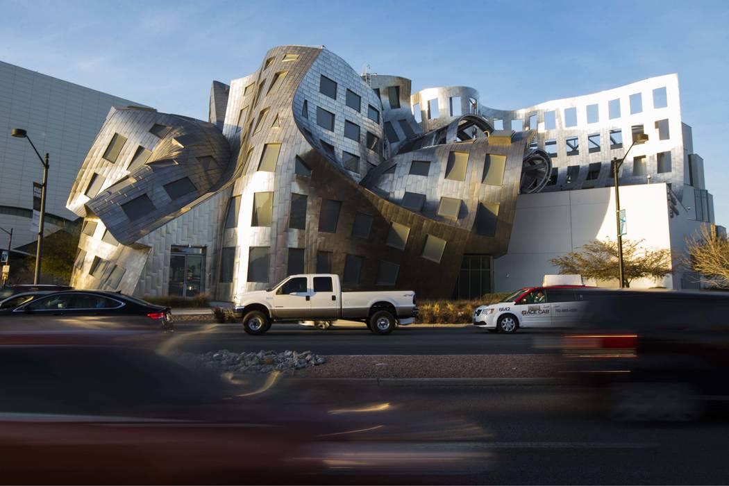 La Clínica Cleveland Lou Ruvo Center for Brain Health, diseñada por el arquitecto Frank Gehry, en Las Vegas el martes 30 de enero de 2018. (Chase Stevens / Las Vegas Review-Journal) @csstevensphoto