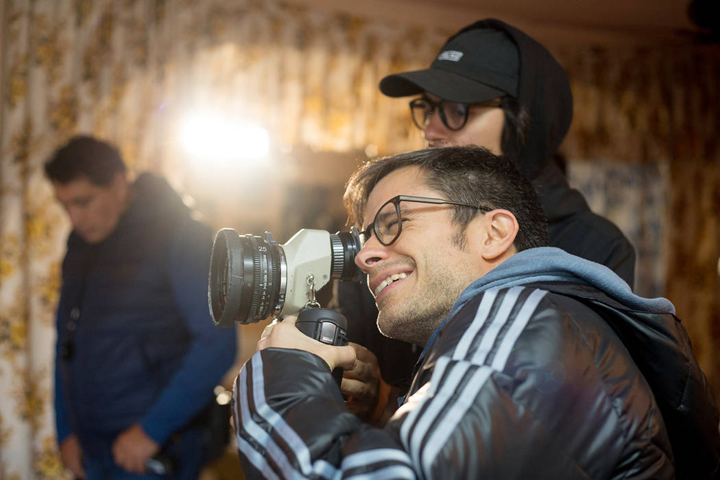 """ARCHIVO.- El cineasta y actor Gael García Bernal se encuentra filmando en San Gregorio, Xochimilco, su próxima película """"Chicuarotes"""" y afirmó admirar el talento alucinante y poderoso de Guill ..."""