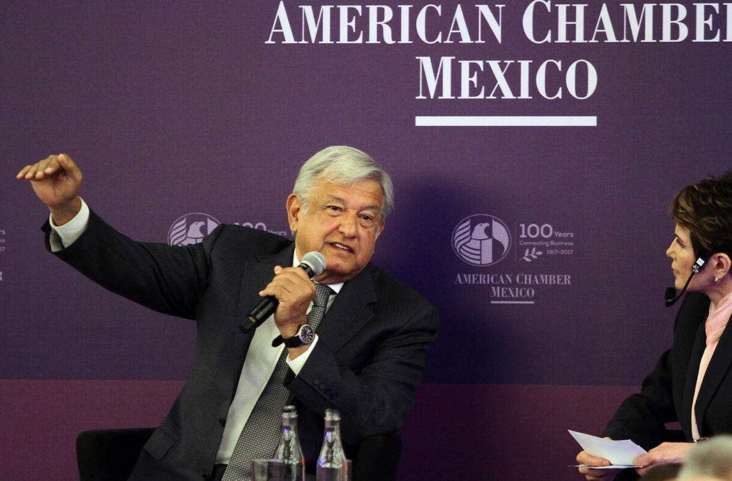 El candidato de la coalición Juntos Haremos Historia, Andrés Manuel López Obrador, durante su participación en la 101 asamblea general de socios de la American Chamber México, que se realiza  ...