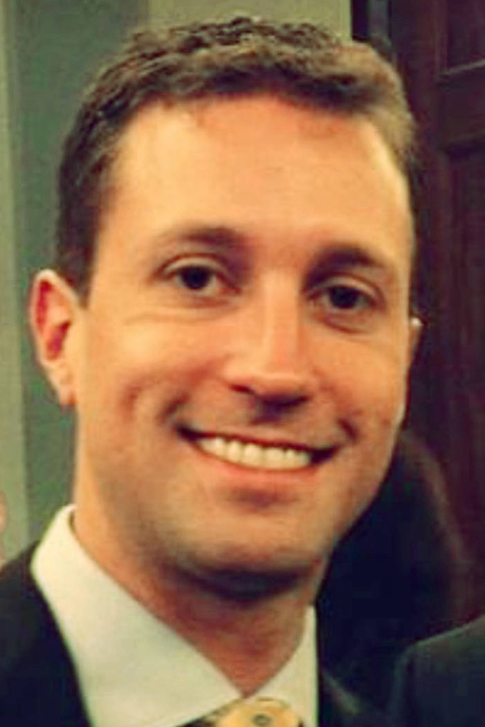 El consultor del GOP Benjamin Sparks está representado en esta foto sin fecha obtenida por el Las Vegas Review-Journal. Sparks es acusado de esclavizar sexualmente y maltratar a su ex prometida.