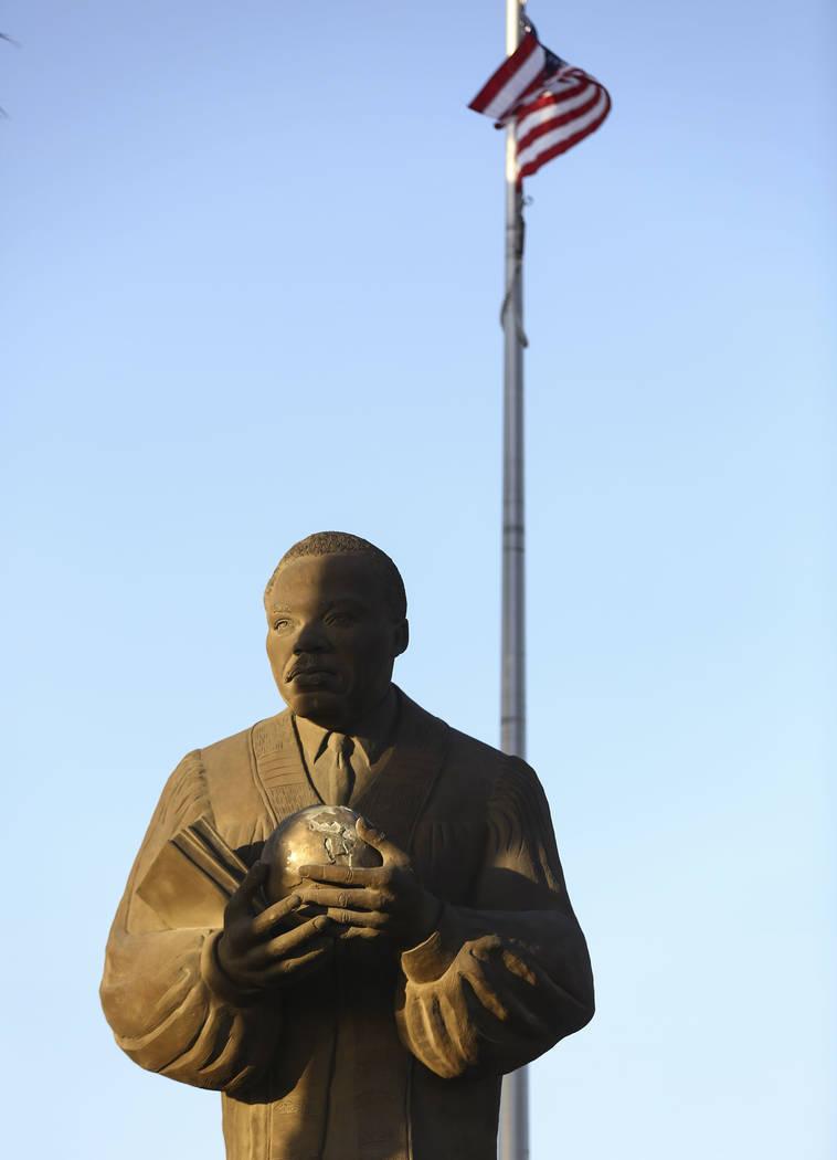 Una estatua del Dr. Martin Luther King Jr. en North Las Vegas el miércoles 4 de abril de 2018. Chase Stevens Las Vegas Review-Journal @csstevensphoto