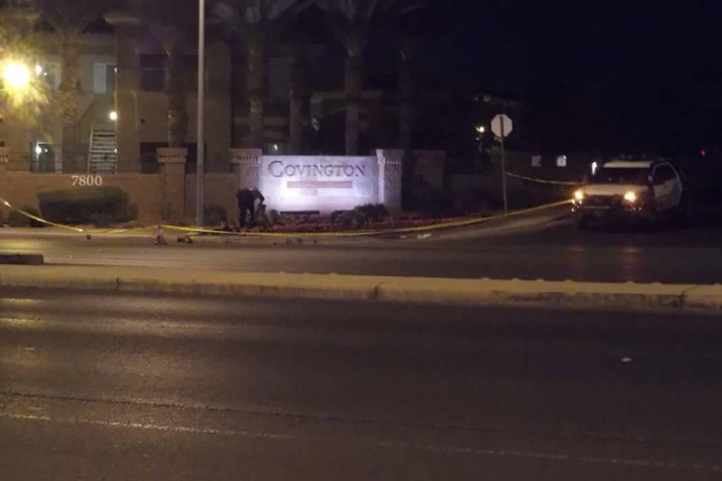 Un guardia de seguridad fue hospitalizado después de que afirma que lo atropellaran tras enfrentarse a un grupo de vándalos que intentaban entrar en los buzones de un complejo de apartamentos en ...