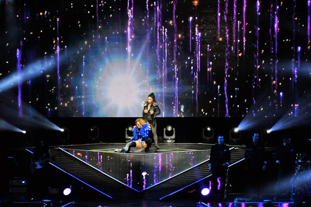 Guzmán y Trevi continúan dando un gran espectáculo sobre el escenario. Sábado 7 de abril, en el Park Theatre del Montecarlo hotel y casino. Foto Frank Alejandre / El Tiempo.