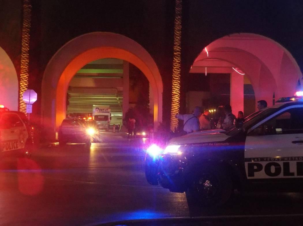 La policía de Las Vegas atrapó a dos sospechosos de robo el martes por la mañana en el estacionamiento de SLS Las Vegas en 2535 Las Vegas Blvd. Sur. (Max Michor / Las Vegas Review-Journal)