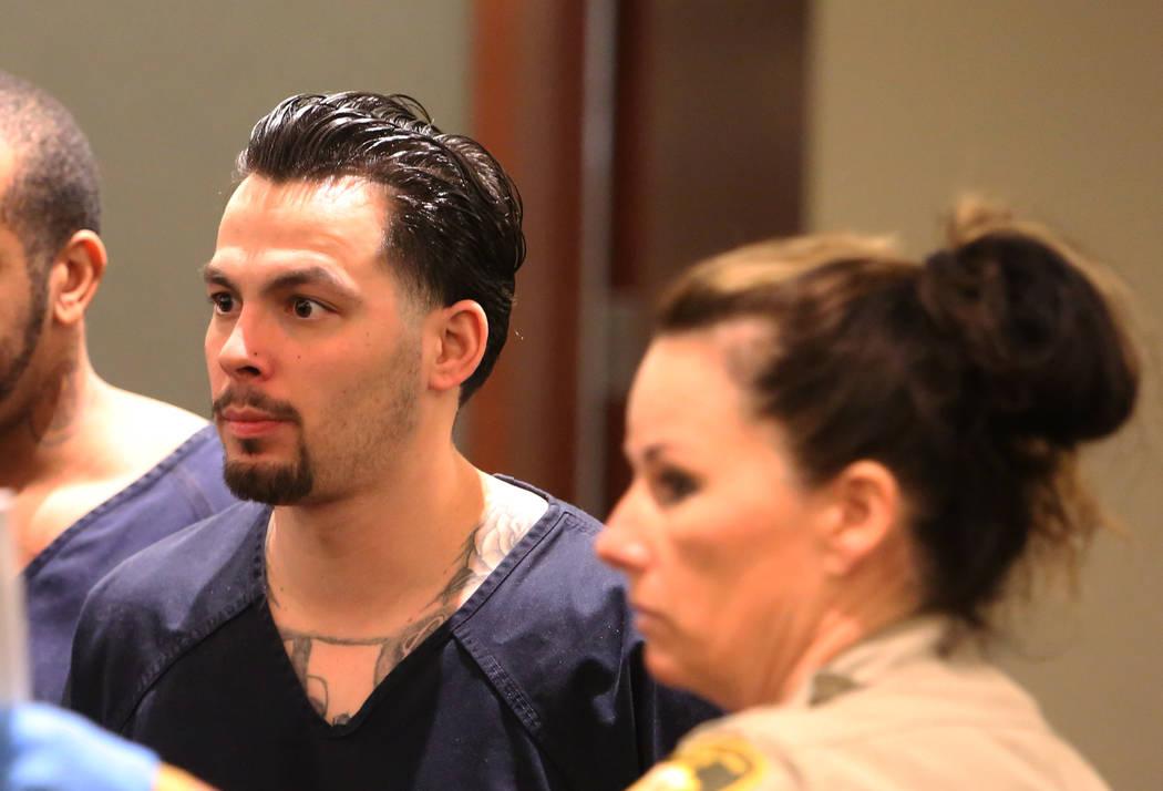 James Beach, quien se declaró culpable de homicidio voluntario en la muerte de un solo golpe de Luis Campos, aparece en la corte durante su sentencia en el Centro de Justicia Regional el martes 1 ...