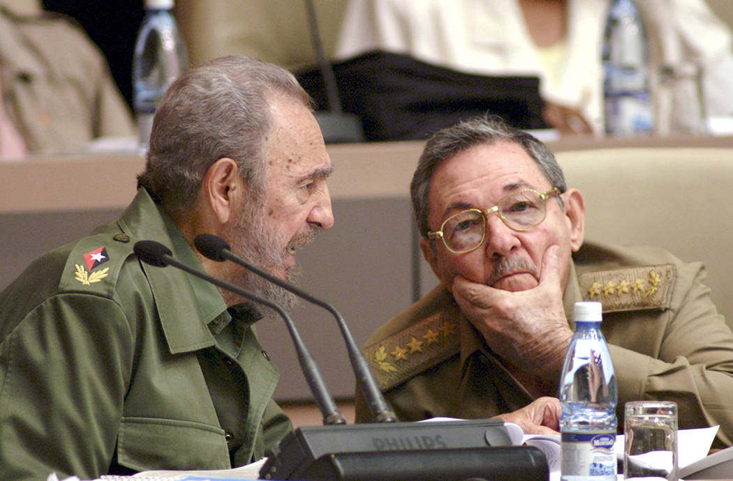 ARCHIVO.- El presidente de Cuba Raúl Castro Ruz entregará el máximo cargo a su sucesor el jueves 19 de abril y con ello llegará a su fin una dinastía política en la isla mayor de Las Antilla ...