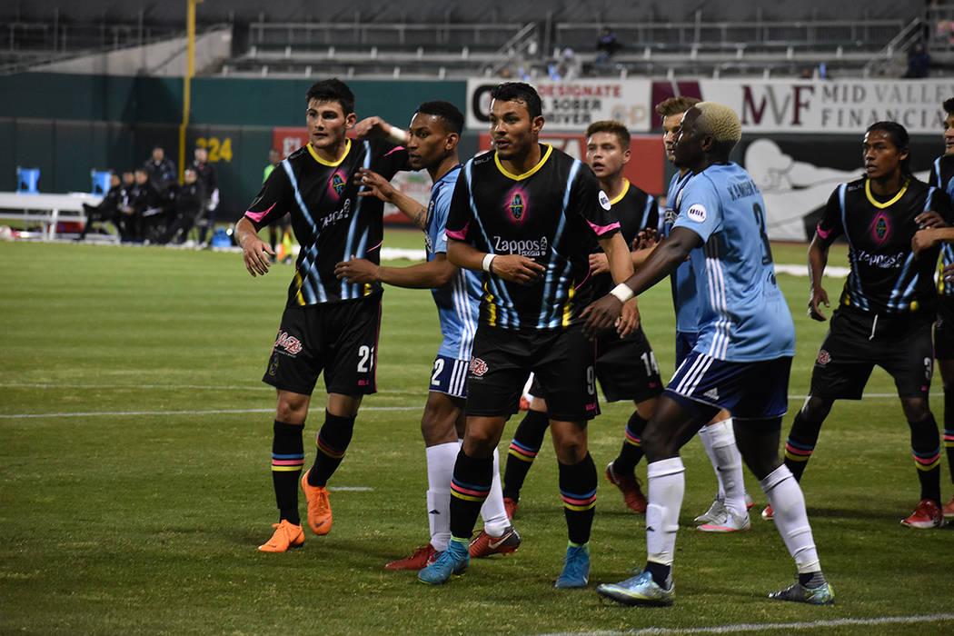 ARCHIVO.- Fresno y Las Vegas protagonizaron un emotivo encuentro, ambos equipos debutaron en la United Soccer League. Sábado 17 de marzo de 2018 en estadio Chukchansi de Fresno, California. Foto ...