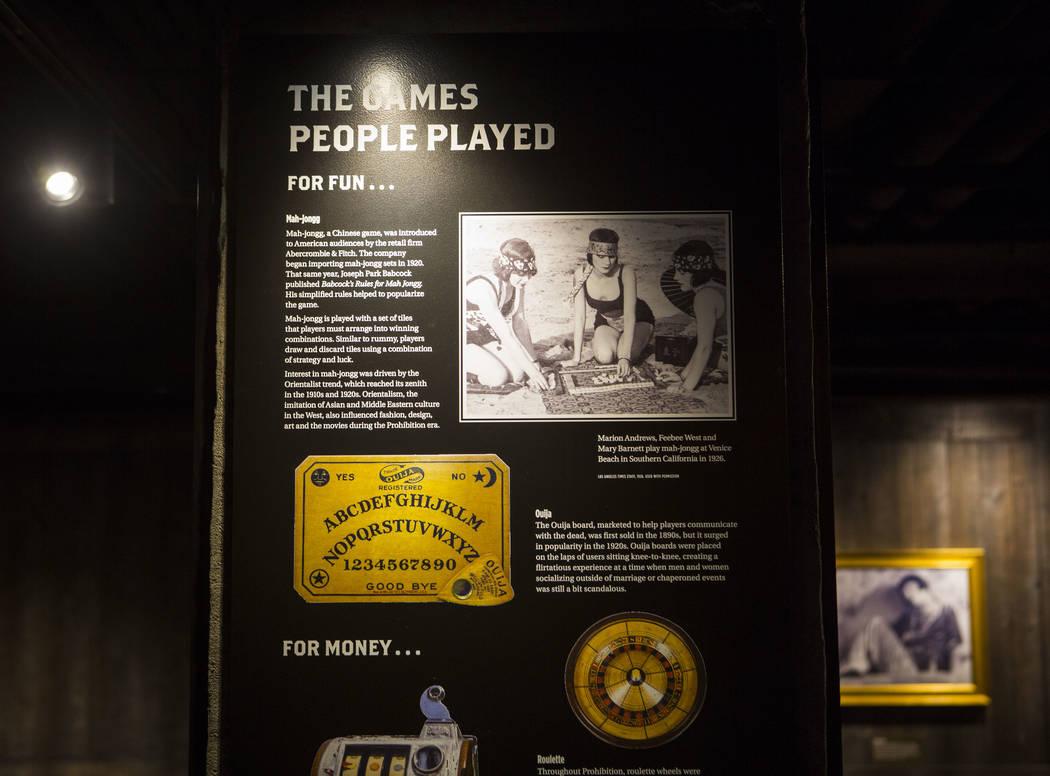 Presentaciones informativas en el bar clandestino de The Underground en The Mob Museum en el centro de Las Vegas el sábado 14 de abril de 2018. La exhibición de la era Prohibition en el sótano ...