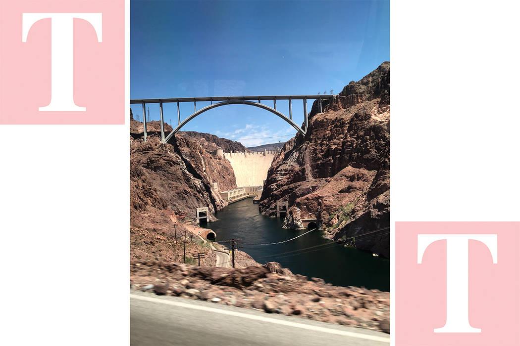 """La balsa de """"Black Canyon River Adventures"""" que junto con el Festival de la Ciencia y la Tecnología de LV ofrecieron paseos gratuitos el 29 de abril del 2018. Foto Valdemar González / El Tie ..."""