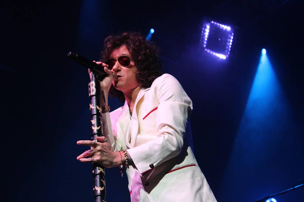 Enrique Bunbury engalanó el escenario con canciones de diferentes etapas musicales, en el House of Blues. Miércoles 2 de mayo de 2018. Foto Cristian De la Rosa / El Tiempo - Contribuidor.
