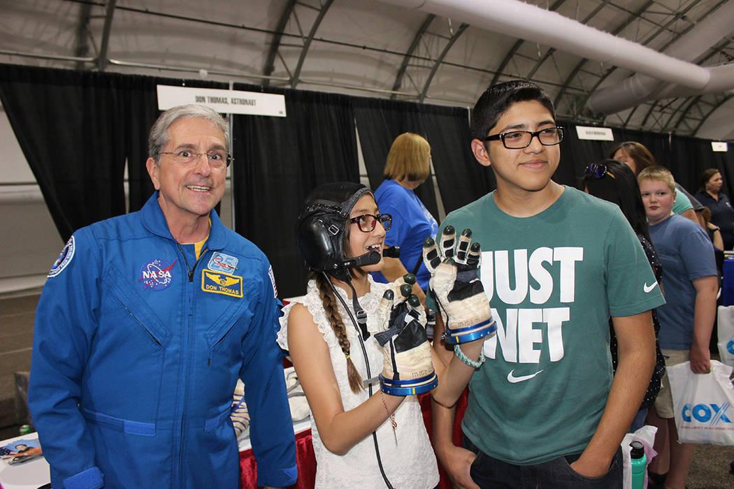 Don Thomas, astronauta retirado de la NASA, fue rechazado en 3 ocasiones antes de cumplir su sueño de visitar el espacio. Sábado 5 de mayo del 2018. World Market Center. Foto Cristian De la Rosa ...