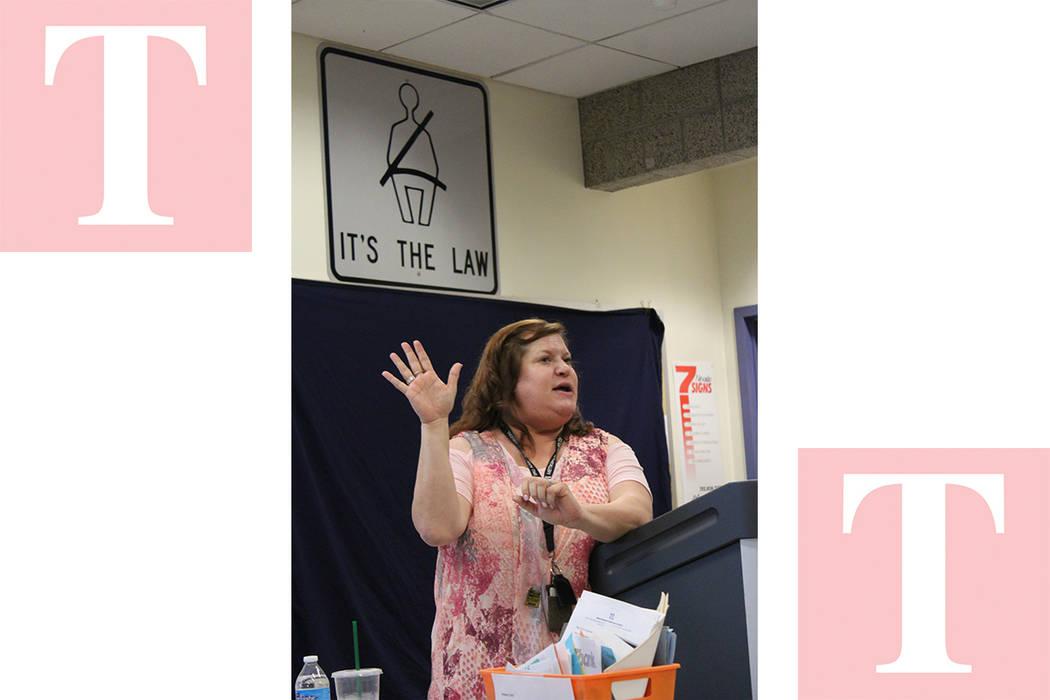 Denise Strade, policía especializada en prevención de crímenes, dio consejos a las personas que piensan salir de Las Vegas de vacaciones. Martes primero de mayo de 2018, en la comandancia del D ...