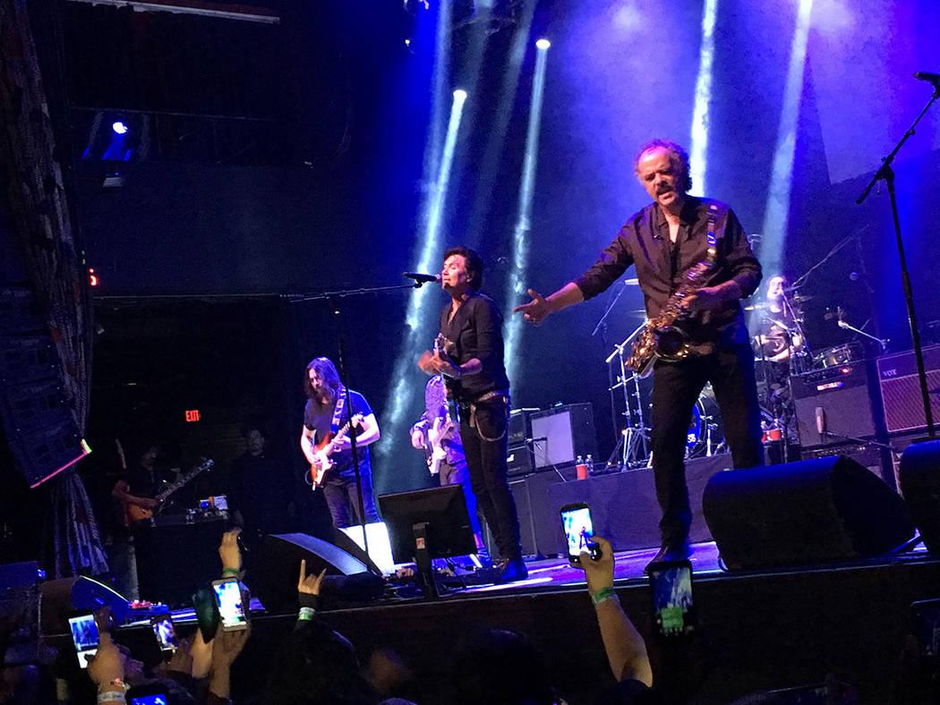 La interacción con la gente se hizo patente durante el concierto que se prolongó por más de dos horas. Viernes 4 de mayo en el House of Blues. Foto Frank Alejandre / El Tiempo