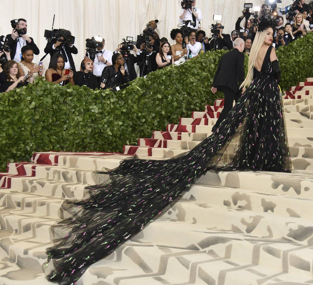 Rita Ora asiste a la gala benéfica del Instituto de Arte Metropolitano de Arte que celebra la apertura de la exposición Heavenly Bodies: Fashion y Catholic Imagination el lunes 7 de mayo de 2018 ...
