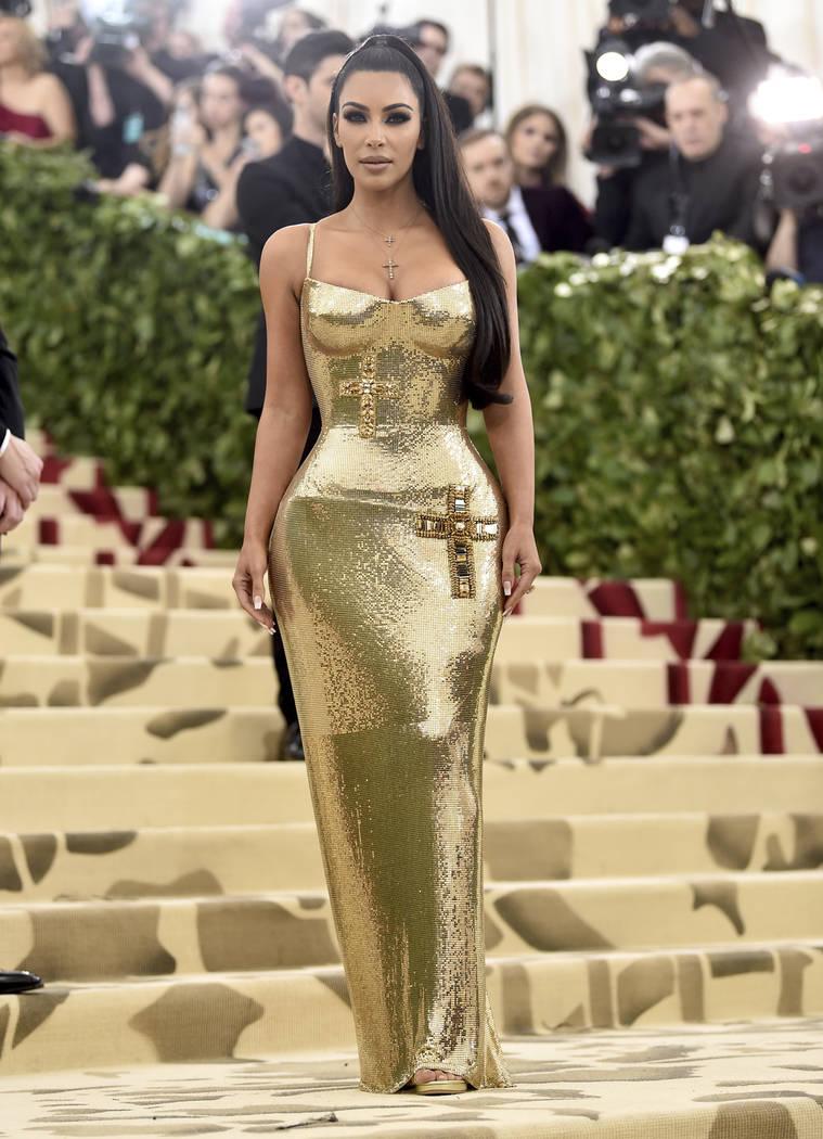 Kim Kardashian asiste a la gala benéfica del Instituto de Vestuario del Museo Metropolitano de Arte que celebra la apertura de la exposición Heavenly Bodies: Fashion y Catholic Imagination el lu ...