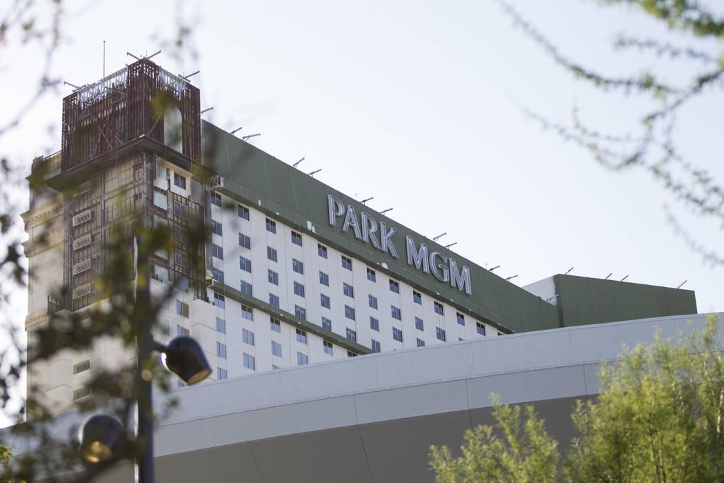 La marca Park MGM recién instalada reemplaza a Monte Carlo en el casino-hotel de Las Vegas, el viernes 13 de abril de 2018. Las Vegas Review-Journal @Erik_Verduzco