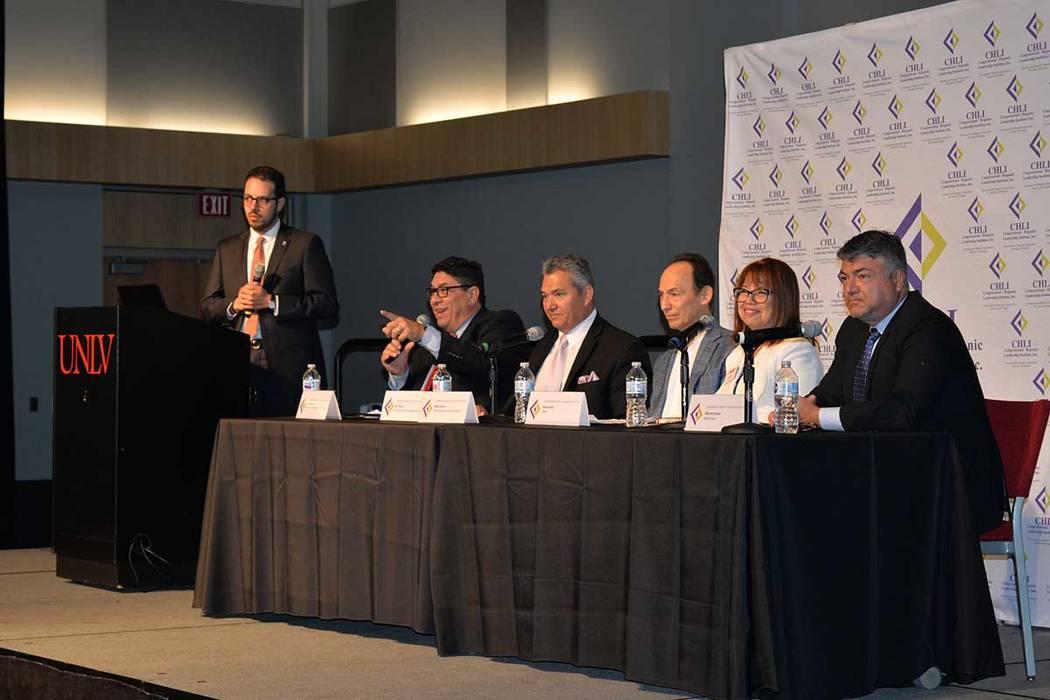 La primera conferencia de futuros líderes, organizada por el Instituto de Liderazgo Hispano Congresional, en UNLV, tuvo un panel diverso y compuesto de profesionales. Miércoles 9 de mayo en el B ...