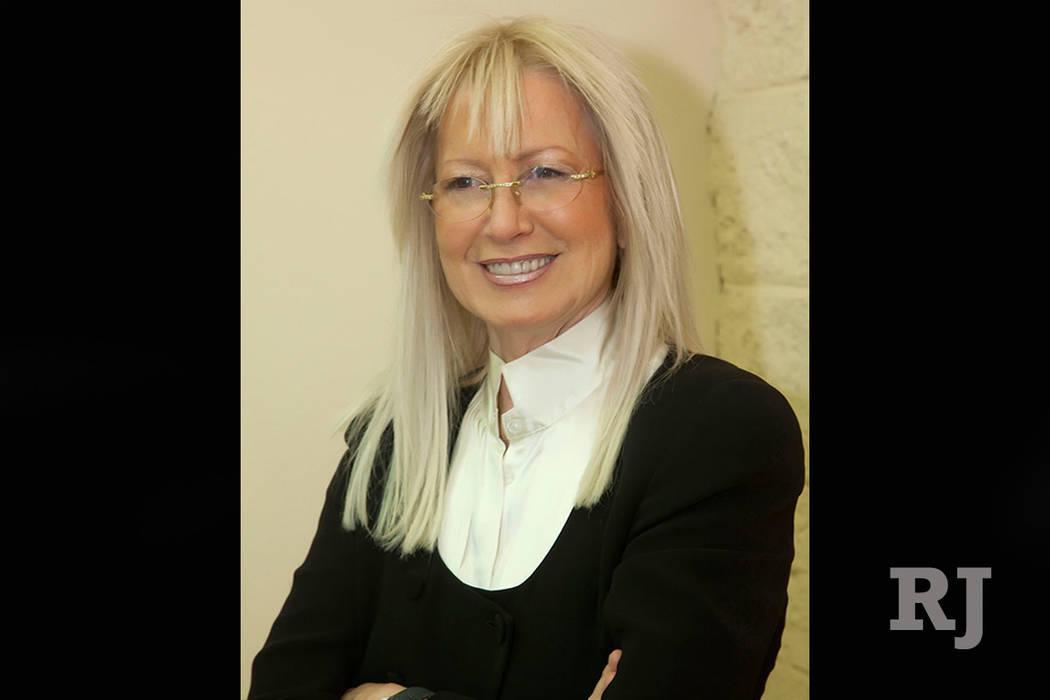 Miriam Adelson, filántropa, investigadora, médica y experta en adicción a las drogas de Las Vegas, es dueña del periódico Las Vegas Review-Journal e Israel Hayom junto con su esposo, Sheldon ...