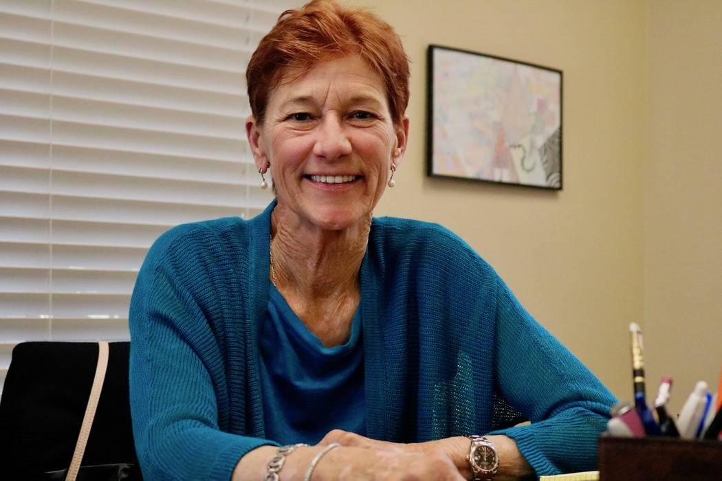 La presidenta de la Fundación Rogers, Beverly Rogers, se sienta en su escritorio en la sede de la fundación en Las Vegas, el lunes 7 de mayo de 2018. Madelyn Reese / Las Vegas Review-Journal