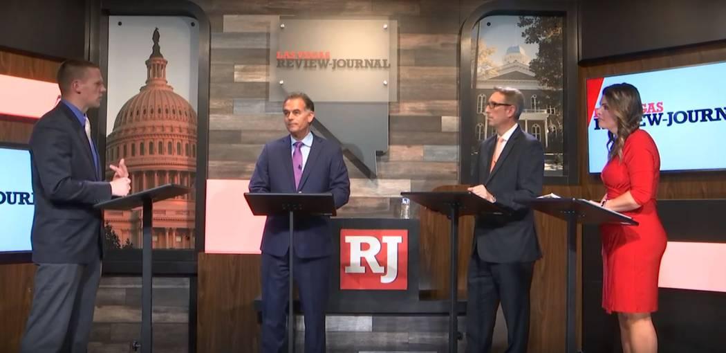 Los republicanos Danny Tarkanian, segundo a la izquierda, el senador Scott Hammond y Michelle Mortensen participan en un tercer debate del Distrito Congresional el 15 de mayo de 2018, moderado por ...