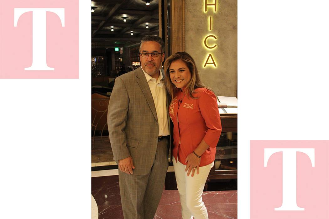 Peter Guzmán, presidente de la Cámara Latina de Comercio y la chef Lorena García, festejaron el aniversario del restaurante Chica. Lunes 14 de mayo del 2018 en restaurante Chica. Lunes 14 de ma ...
