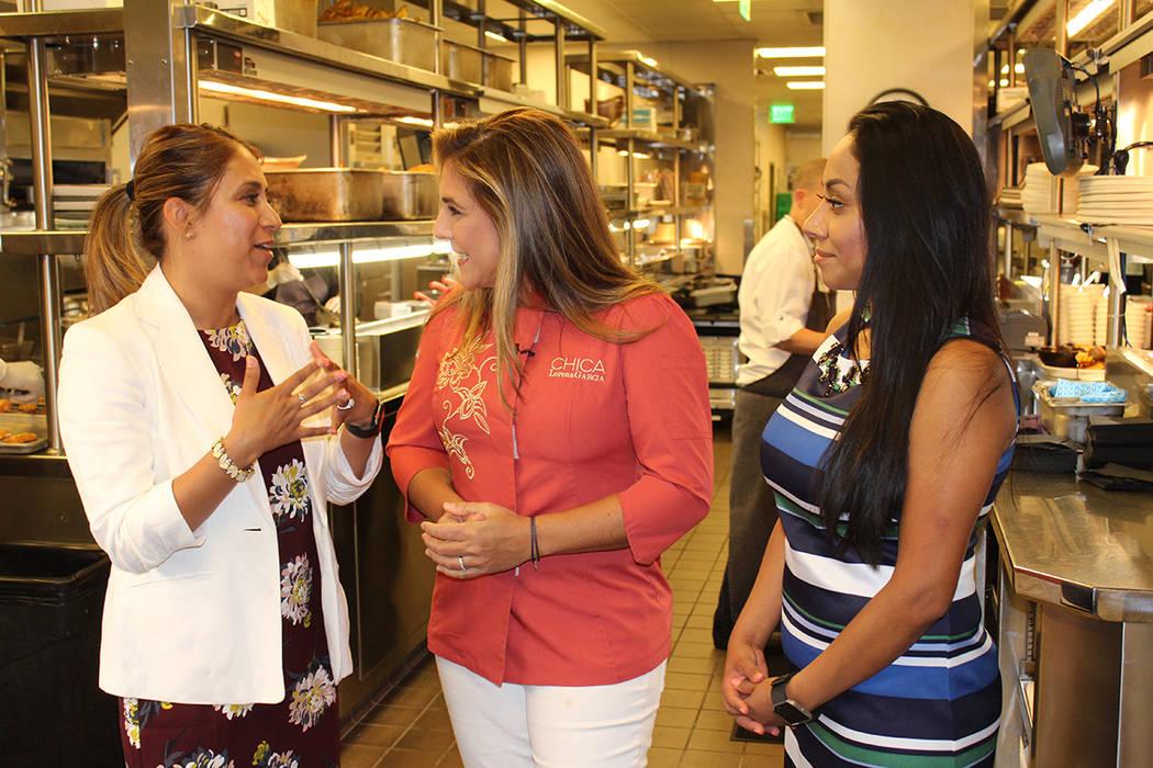 La chef Lorena García, recibió a un grupo de mujeres emprendedoras de la comunidad hispana. Lunes 14 de mayo del 2018 en restaurante Chica. Foto Cristian De la Rosa / El Tiempo - Contribuidor.
